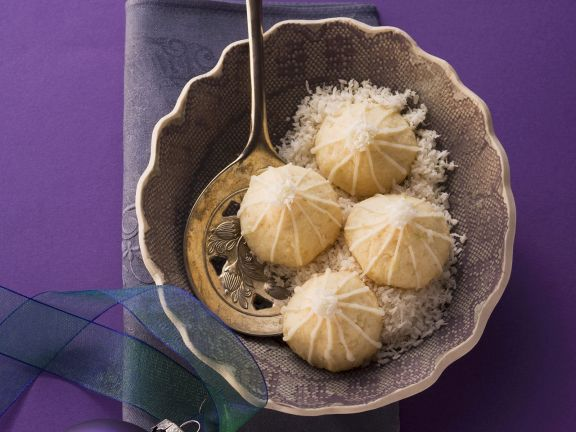 Brazilian Coconut Macaroons
