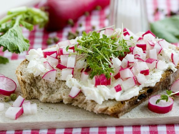 Bread with Cream Cheese, Radishes and Watercress