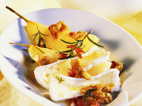 Brie with Walnuts and Spicy Pear Compote