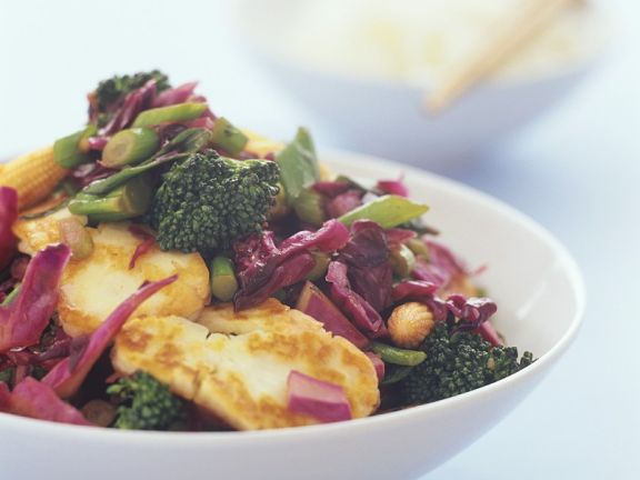 Broccoli And Red Cabbage Stir-Fry With Chicken Breast -7510