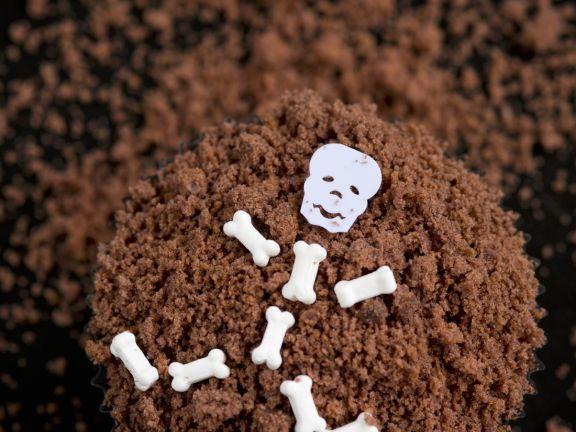 Cakes with Skeleton Man in Soil
