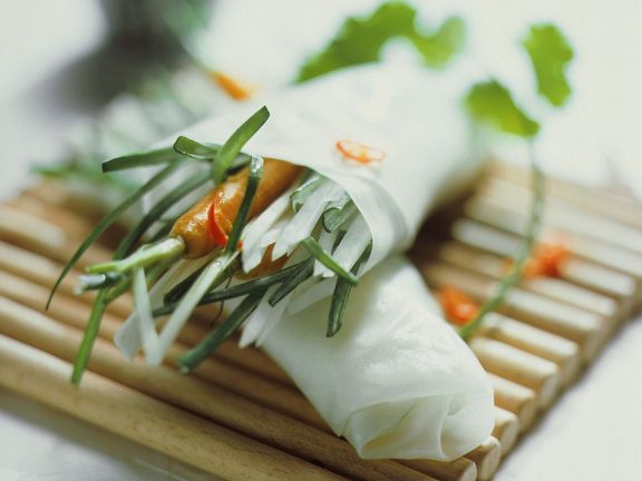 Carrot and Chile Rice Paper Rolls