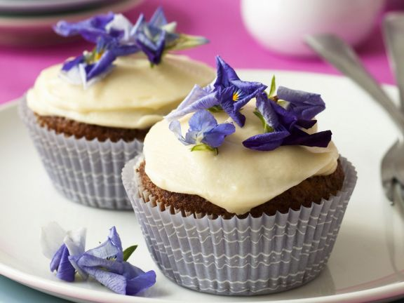 Carrot Cakes with Vanilla Icing