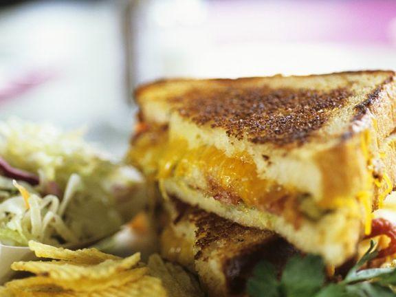 Cheddar-Bacon Sandwiches