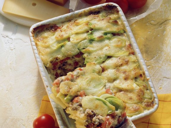 Cheese-Topped Baked Meat and Potato Casserole