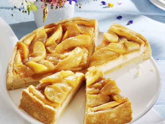 Cheesecake with Apple