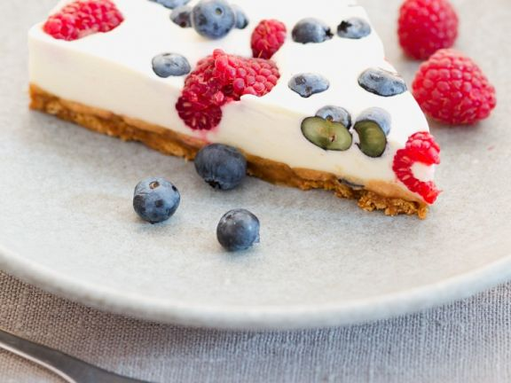 Cheesecake with Mixed Berries and Amaretto Cookie Crust