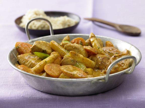 Chicken and Asparagus Stir-Fry with Curry