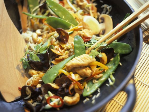Chicken and Snowpea Wok-fry