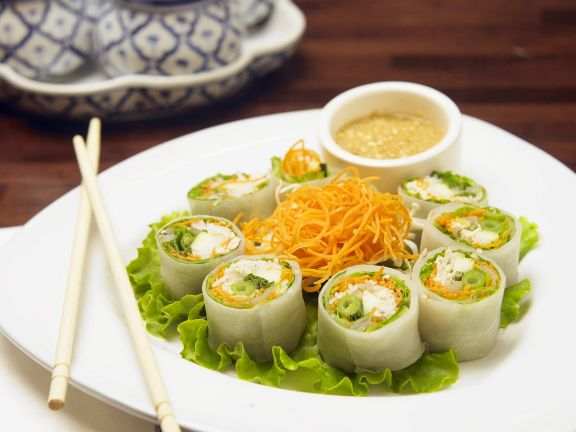 Chicken and Vegetable Rice Paper Rolls