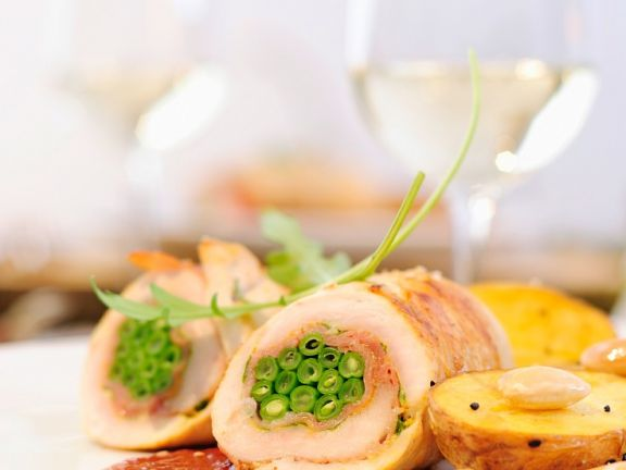 Chicken Breast Stuffed with Ham and Green Beans
