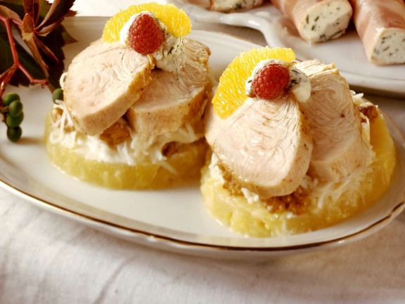 Chicken Sandwiches with Cottage Cheese and Fruit