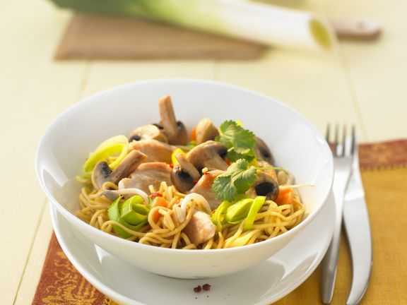 Chicken Stir Fry with Mushrooms and Leeks