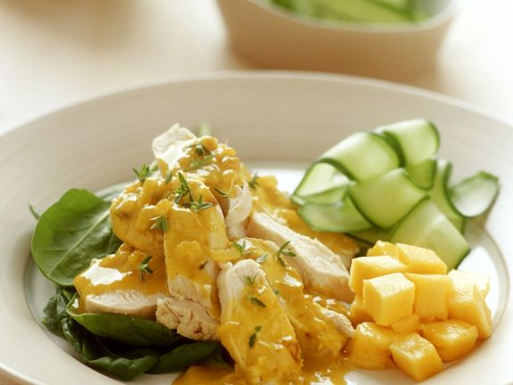 Chicken with Curry Sauce, Mango and Cucumber Salad