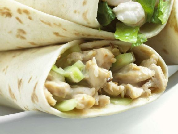 Chicken Wraps with Cucumbers