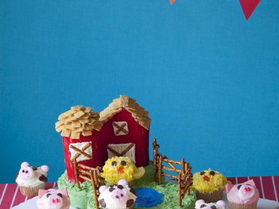 Children's Farm Cake and Cupcakes