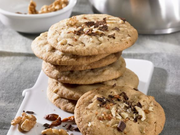 Chile and Walnut Cookies