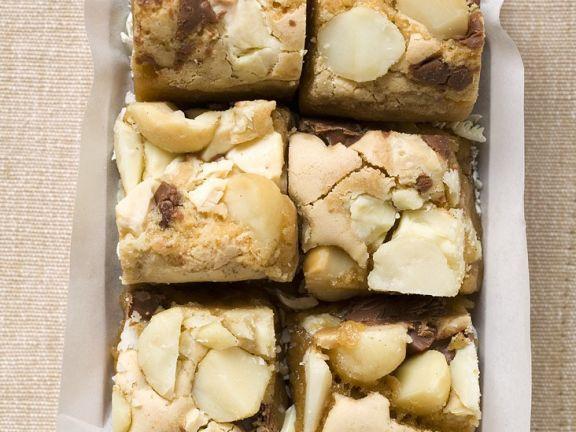 Chocolate Macadamia Cakes