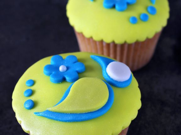 Citrus Cakes with Coloured Decoration