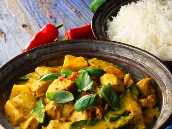 Creamy Chicken Curry with Basil