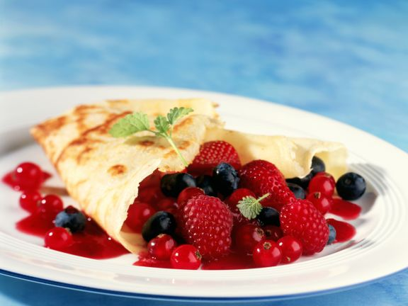 Crêpes with Mixed Berries