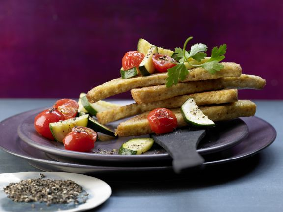 Crisp Bread Triangles with Tomatoes and Zucchini