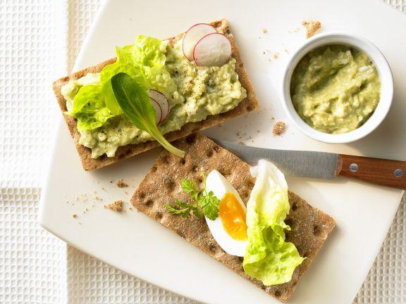 Crispbread with Egg and Avocado Spread