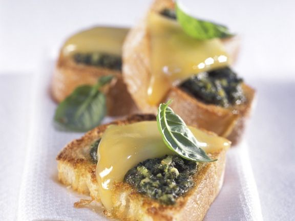 Crostini with Pesto and Cheese