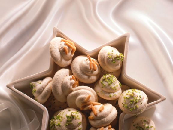 Dried Spiced Meringues