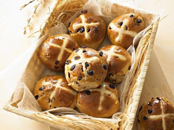 Easter Bread and Raisin Rolls