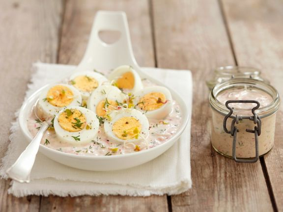 Eggs in Horseradish Sauce with Beets