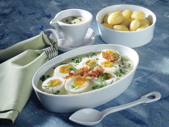 Eggs with Peas and Mustard Sauce