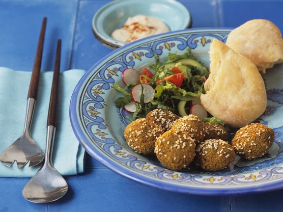 Falafel with Sesame Seeds, Served with Salad and Flatbread