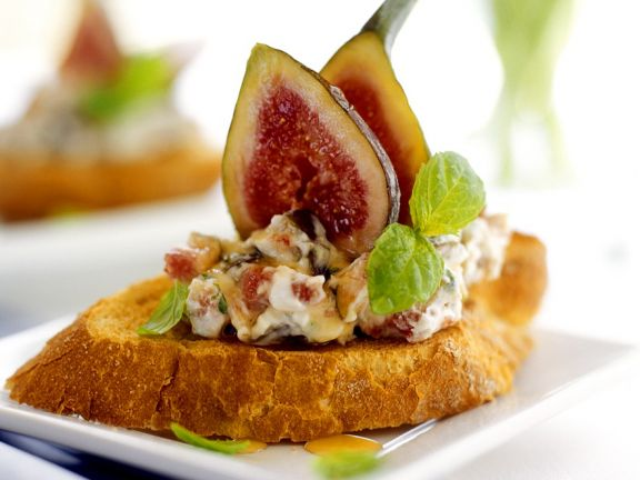 Fig-Cream on Toast