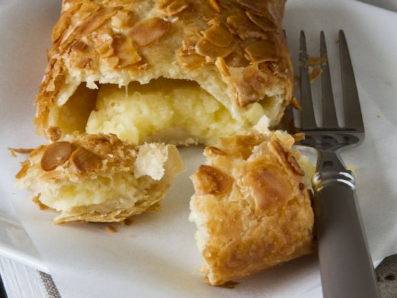 Filled Fruit Pastry