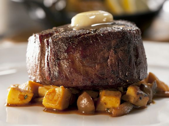 Fillet Mignon with Butter and Vegetables