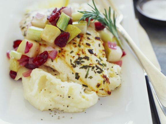 Fish Fillet with Mashed Potatoes and Apple-onion Salad