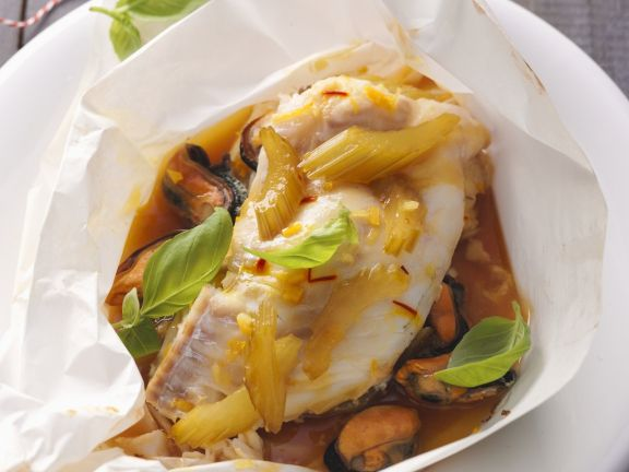 Fish Parcels with Mussels and Vegetables