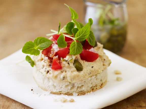 Flatbread and Hummus Appetizers