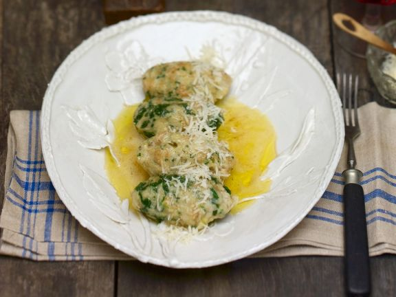 Four Cheese and Spinach Dumplings in Butter