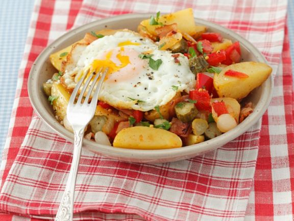 Fried Potatoes with Peppers, Pancetta and Egg