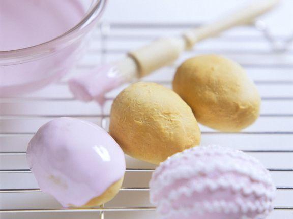 Fruit-filled Egg Buns