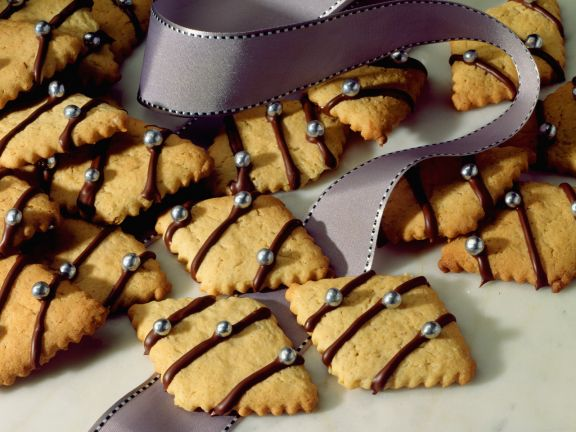 Ginger Cookies with Chocolate Drizzle
