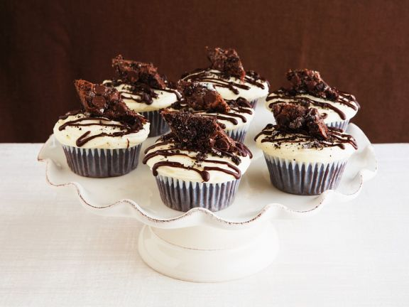 Glazed Chocolate Cupcakes with Crumb Topping