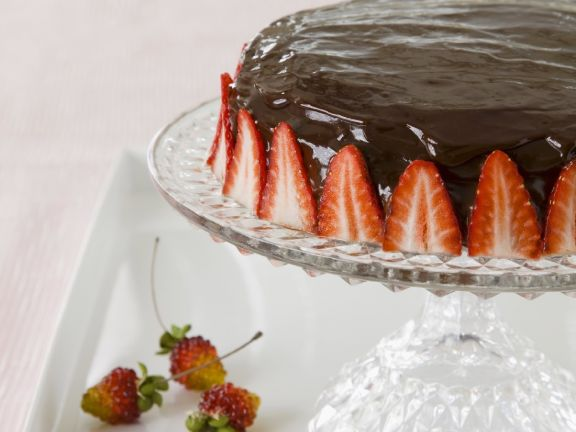 Glazed Chocolate Tart with Berry Border