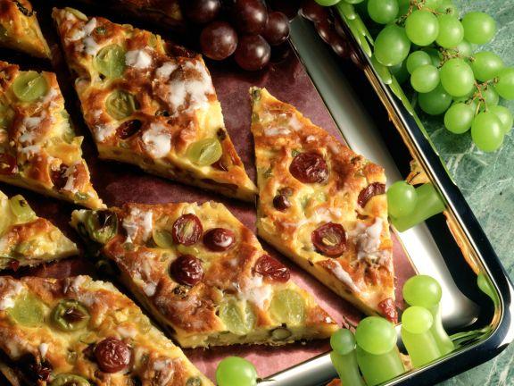 Grape and Sour Cream Cake
