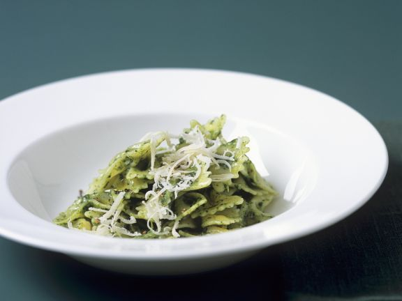 Green Leaf Bow-tie Pasta