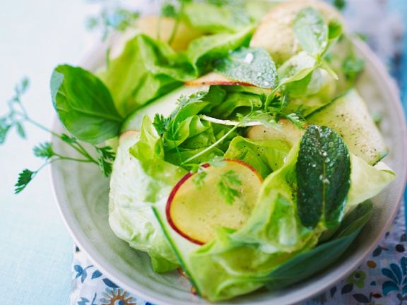 Green Salad with Herbs and Nectarines