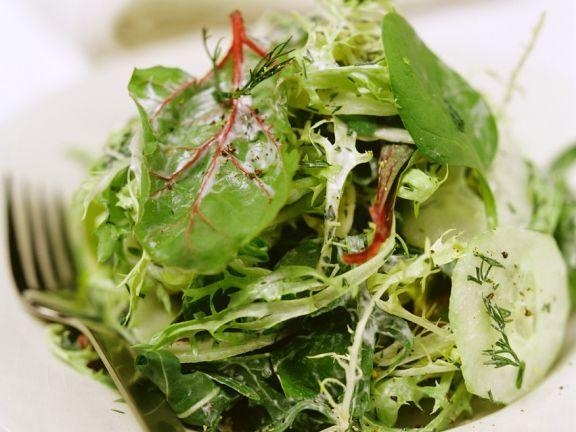 Green Salad with Yogurt Dressing