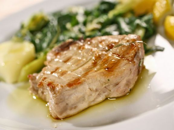 Grilled Tuna with Lemon